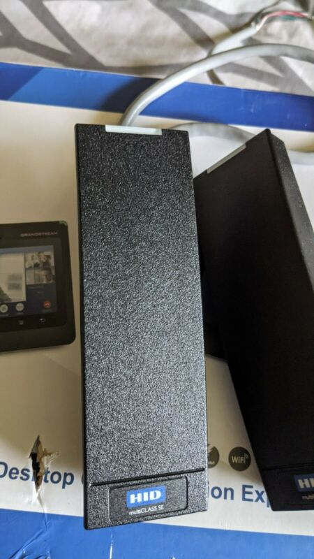 2 X HID RP15 multiCLASS SE Mullion Card Reader