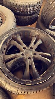 15 inch chaser rims x2 / x 2 20 inch wheels 5x120 commodore
