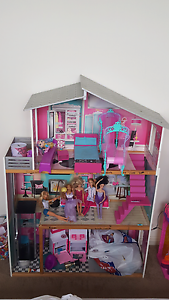 Doll house Ingleburn Campbelltown Area Preview