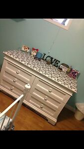 Solid Wood Dresser!!NEED GONE!! MOVING!