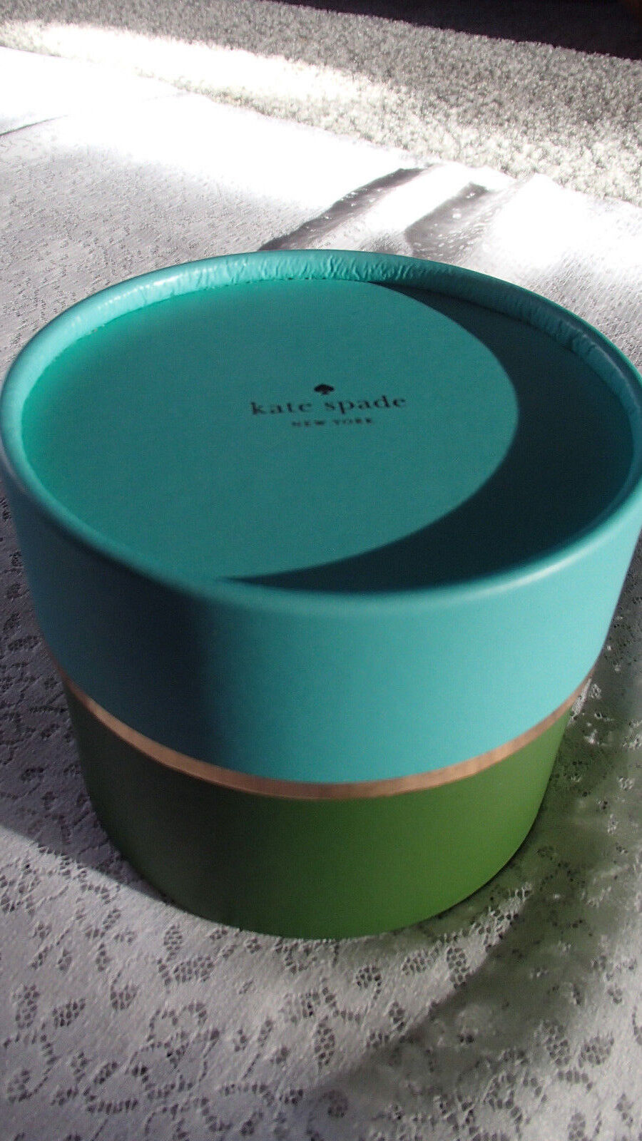 Kate Spade Center Logo Gift Box, Round Blue/Green