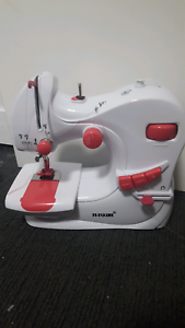 Sewing machine Bruce Belconnen Area Preview