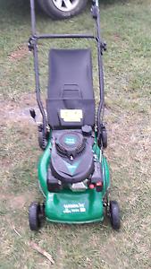 For sale Gardenline 40cm cut lawn mower VGC Glamorgan Vale Ipswich City Preview