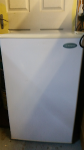Westinghouse 121 Upright Bar Freezer. Birkdale Redland Area Preview