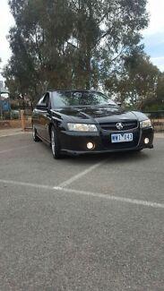 VZ SV6 IMMACULATE BLACK AUTO