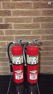 Set Of 2 Refurbished 10lb Abc Fire Extinguisher Wall Bracket Cert.tag Nice