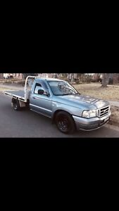Ford ute Courier