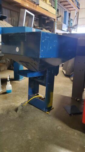 Vibratory Hopper Feeder / Bulk Parts Feeder