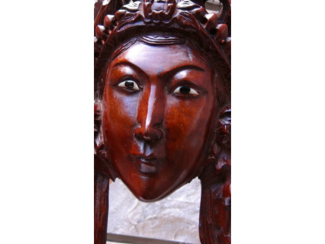 ANTIQUE 19C CHINESE ROSEWOOD HAND CARVED MASK OF IMPRESS WITH BIRD AND FLOWERS