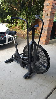 Gym fitness exercise equipment $15
