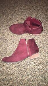 Clothes/hat/shoes