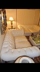 LEATHER WHITE CHESTERFIELD 2 PICES GREAT CONDITION Brisbane City Brisbane North West Preview