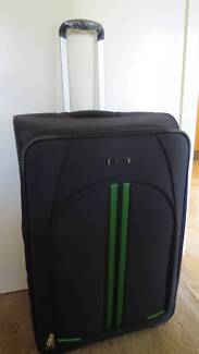 TOSCA LARGE SUITCASE - BRAND NEW - TRAVELLER'S BARGAIN East Lismore Lismore Area Preview
