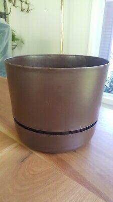 Vtg Chocolate Brown Rubbermaid Chalice Planter Saucer Set
