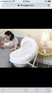 European bassinet and stand