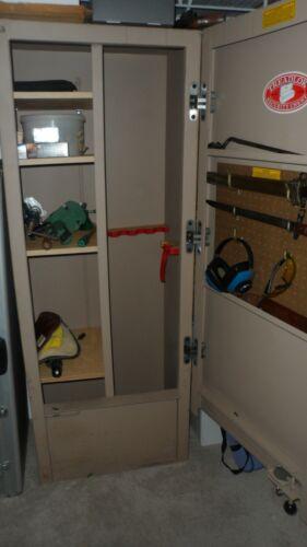 TREADLOCK SECURITY CHEST/GUN SAFE