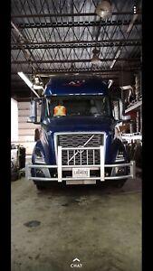 Volvo Freightliner Kenworth Deer Bumpers and Moose bumpers
