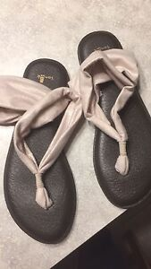 Sanuk sandals for sale