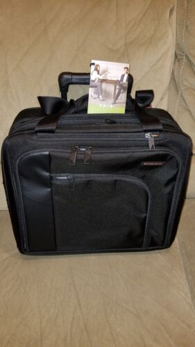 Briggs and Riley Verb Propel Expandable Rolling Case - Brand New with tags