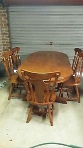 Grand table with 6 chairs Barden Ridge Sutherland Area Preview