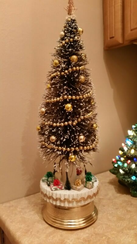 Vintage Xmas Revolving Musical Bottle Brush Tree 20 inches tall