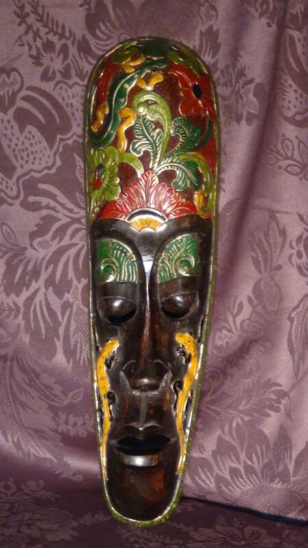 ANTIQUE ASIAN WOOD CARVED HAND PAINTED CEREMONIAL MASK WITH A FLOWERS &LIZARDS