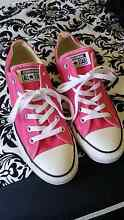 BRAND NEW HOT PINK CONVERSE LADIES SIZE 9 Maryland 2287 Newcastle Area Preview