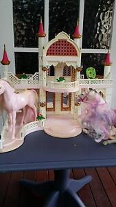 Princess castle 2 horses and all accessories Fulham West Torrens Area Preview