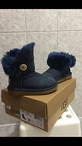 Uggs size 8 toddler