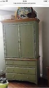 Armoire Morigeau plus lit simple