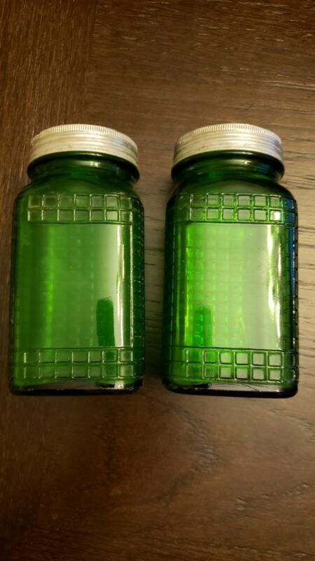 Owens-Illinois Spice Green Glass Shakers set of 2