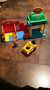 Station de service Fisher-Price little people