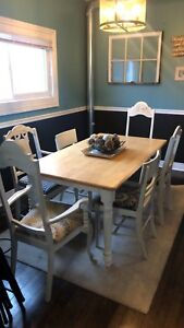 Country vintage dining room set