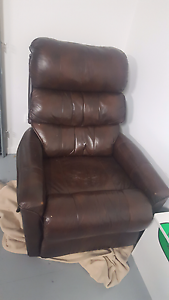 Leather recliner Mitchelton Brisbane North West Preview