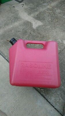 Vintage Blitz 5 Gallon 11830 Red Plastic Old Type Vented Gas Can Pre Ban