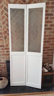 Folding Interior Doors - Fogged glass design