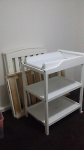Change table & Cot Baldivis Rockingham Area Preview