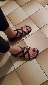 Leather sandals size womens 9 Mount Waverley Monash Area Preview
