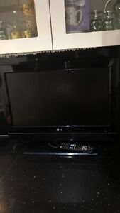 Excellent condition Playstaion 4 with a LGTV
