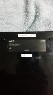 Nintendo Wii U 32gb console and accessories