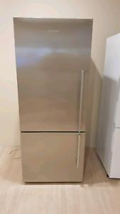 Fisher & PayPal 442L Fridge freezer