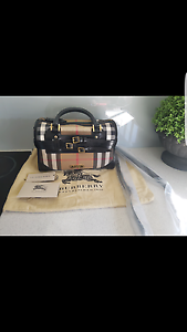 Authentic Burberry bag Regents Park Auburn Area Preview