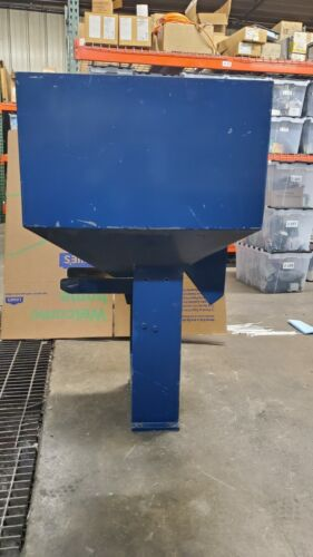 Vibratory Hopper Parts Feeder Assembly With Rear Quick Dump