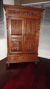 Beautiful wood cabinet carved top ,front selling as down sized Stirling Stirling Area Preview