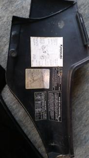Side plastics. Kawasaki  Motorbike gpz900 gpz750