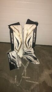 Bauer kid goalie pad set