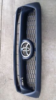 Toyota hilux front grille  Kurrajong Hills Hawkesbury Area Preview