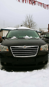 Chrysler town and country very clean 2009 tuning. 3DVD