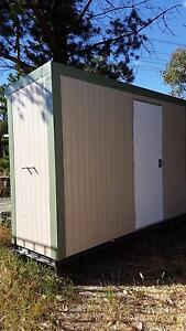 Bathroom unit Oakford Serpentine Area Preview
