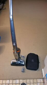 Electrolux ZB3013 2in1 cordless vacuum Kingsville Maribyrnong Area Preview